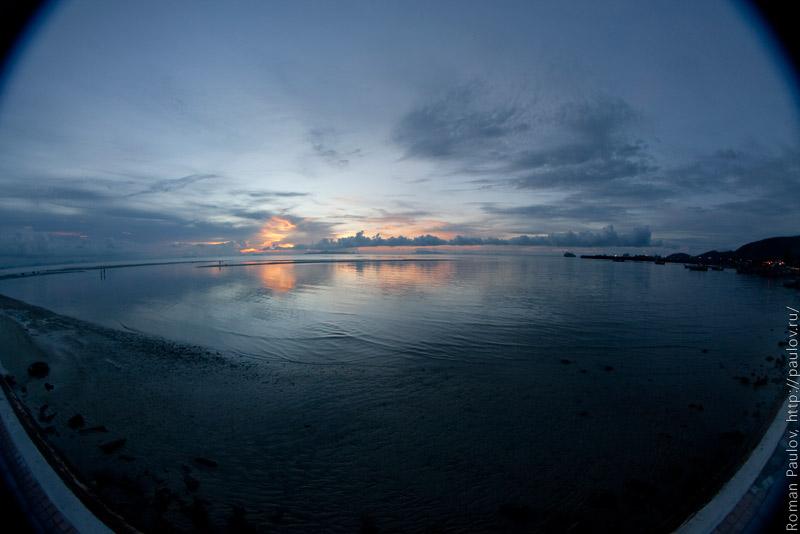 Красивый закатик Ко Самуи на пляже На Тон