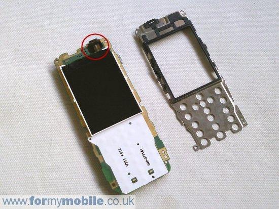Как разобрать телефон Nokia 2730 Classic (6)
