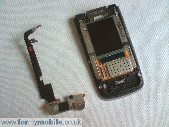 Как разобрать телефон Nokia 6600 Fold (10)