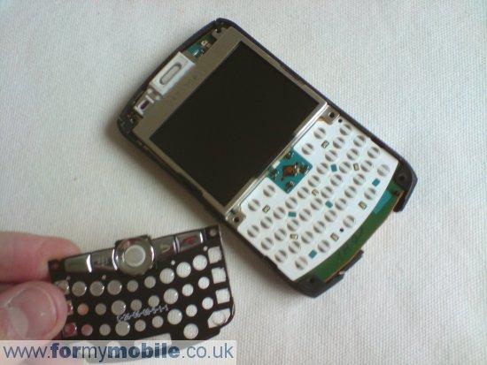 Как разобрать телефон Как разобрать телефон BlackBerry Curve 8310 (5)