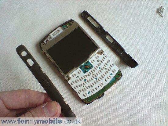 Как разобрать телефон Как разобрать телефон BlackBerry Curve 8310 (4)