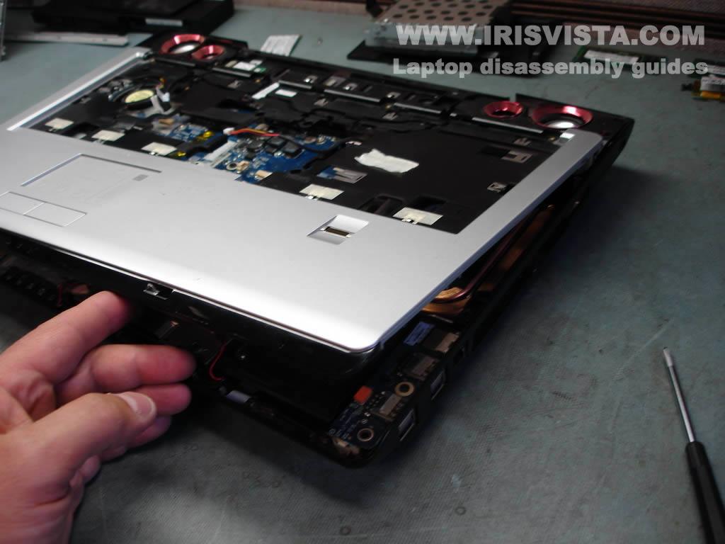 Как разобрать ноутбук Toshiba Satellite X205 и Satellite X200 (16)