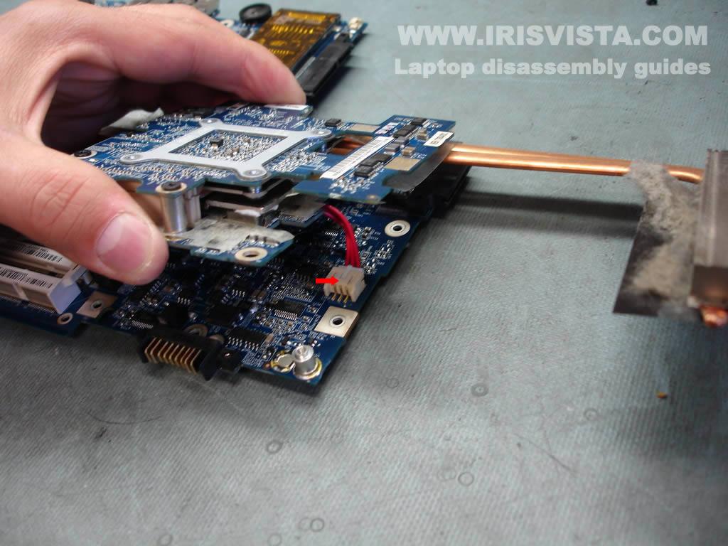 Как разобрать ноутбук Toshiba Satellite X205 и Satellite X200 (6)