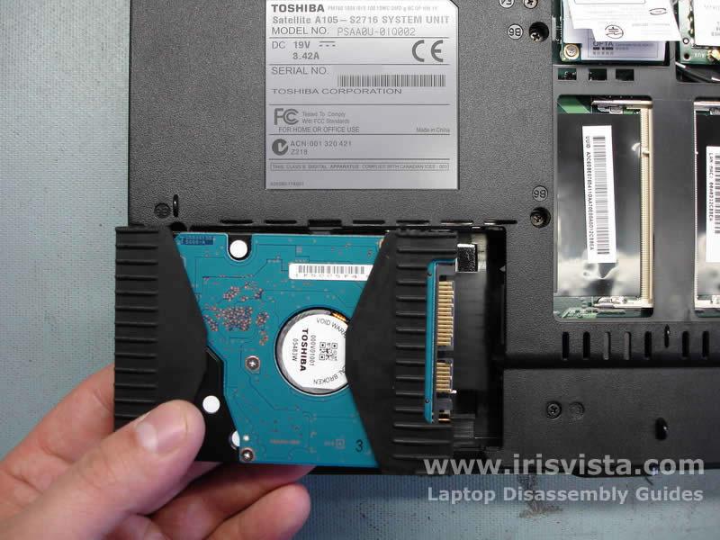 Как разобрать ноутбук Toshiba Satellite A105 (5)
