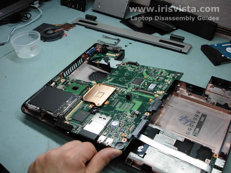 Как разобрать ноутбук Toshiba Satellite A105 (23)