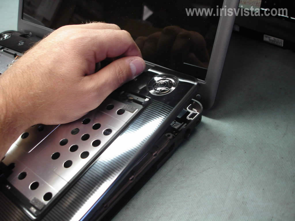 Как разобрать ноутбук A305/A305D или Satellite A300/A300D (14)
