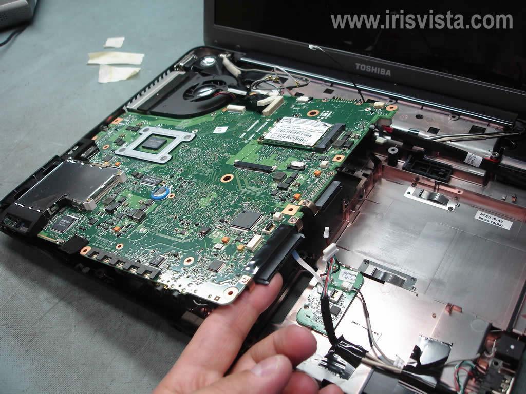 Как разобрать ноутбук A305/A305D или Satellite A300/A300D (7)