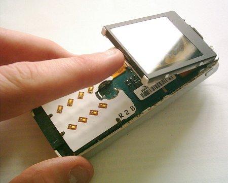 Как разобрать телефон Sony Ericsson T610 (6)