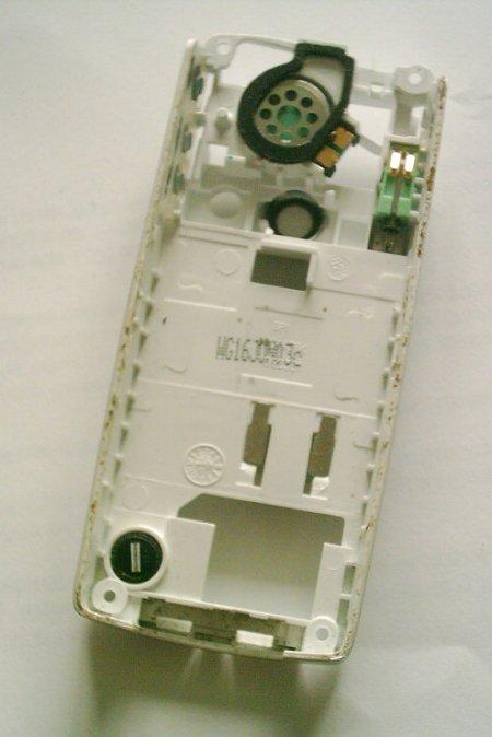 Как разобрать телефон Sony Ericsson T610 (9)
