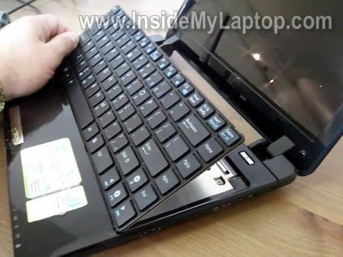 Как разобрать ноутбук Asus Eee PC 1201n (6)