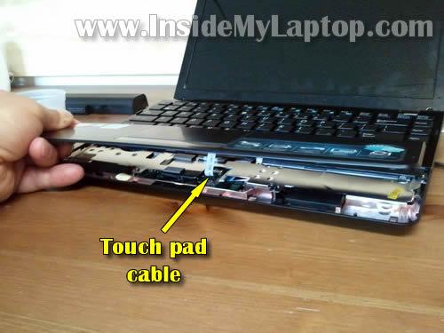 Как разобрать ноутбук Asus Eee PC 1215B (6)