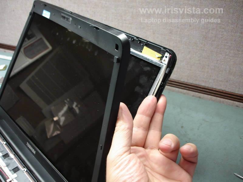 как разобрать ноутбук Toshiba Satellite A210 и Toshiba Satellite A215 и сменить экран (17)