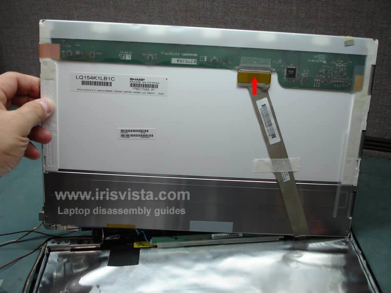 как разобрать ноутбук Toshiba Satellite A210 и Toshiba Satellite A215 и сменить экран (27)