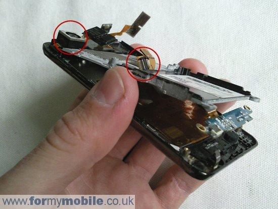 Как разобрать телефон Samsung Tocco F480 (10)