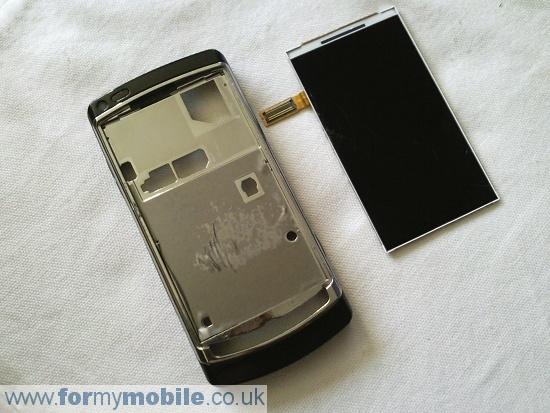 Как разобрать телефон Samsung i8910 Omnia HD (14)