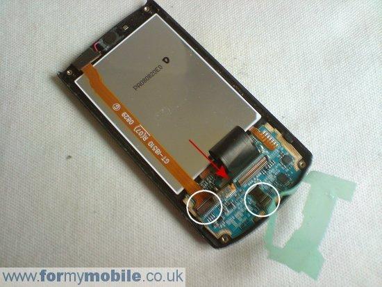 Как разобрать телефон Samsung i8510 INNOV8 (11)