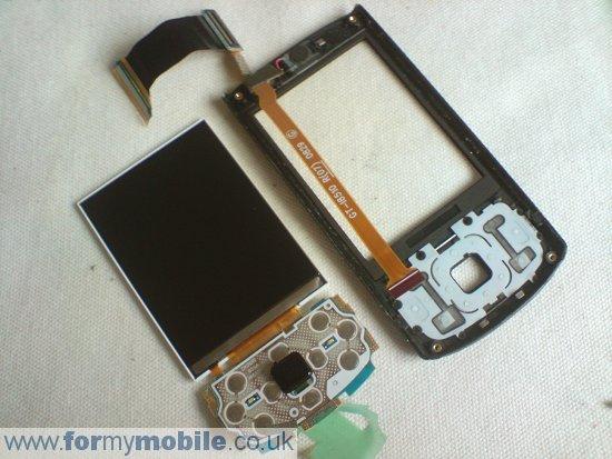 Как разобрать телефон Samsung i8510 INNOV8 (12)