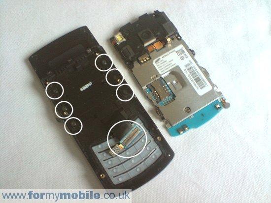 Как разобрать телефон Samsung i8510 INNOV8 (6)