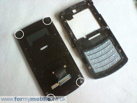 Как разобрать телефон Samsung i8510 INNOV8 (7)