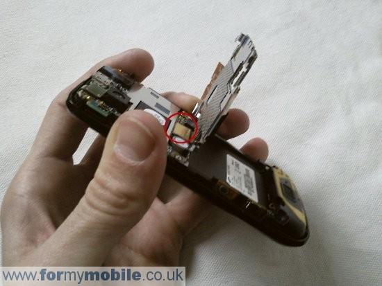 Как разобрать телефон Samsung Jet S8000 (5)