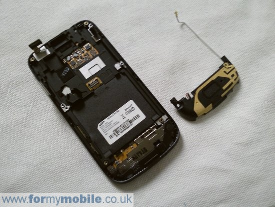 Как разобрать телефон Samsung Jet S8000 (8)