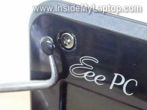 replace-damaged-laptop-screen-03