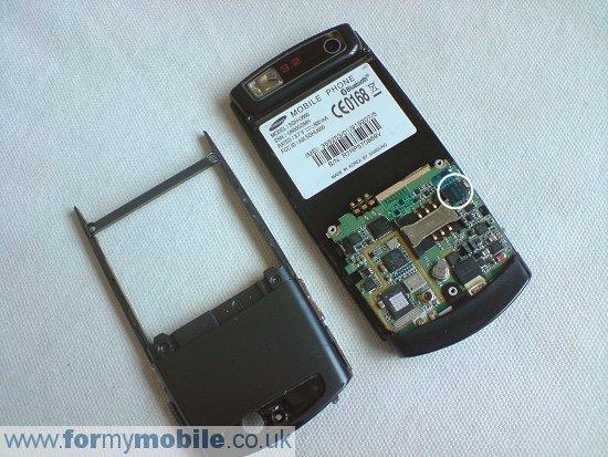 Как разобрать телефон Samsung U600 (4)