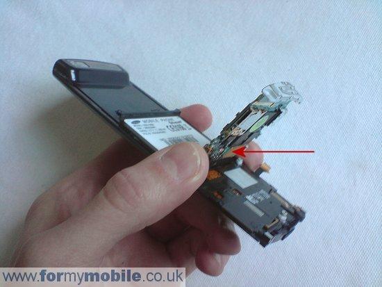 Как разобрать телефон Samsung U600 (7)