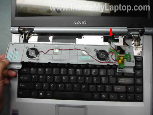 Как разобрать ноутбук Sony Vaio серии PCG-K (3)