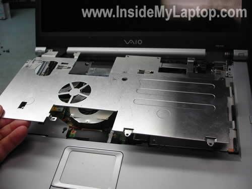 Как разобрать ноутбук Sony Vaio серии PCG-K (8)