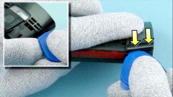 Как разобрать телефон Nokia X2 00 для замены дисплея или корпуса (5)