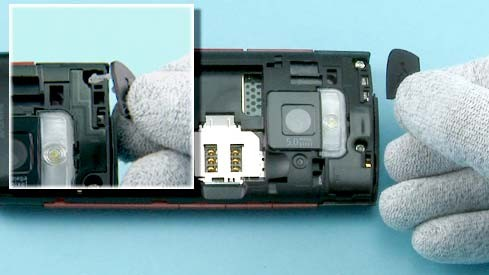 Как разобрать телефон Nokia X2 00 для замены дисплея или корпуса (7)