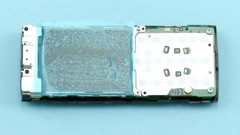 Как разобрать телефон Nokia X2 00 для замены дисплея или корпуса (16)