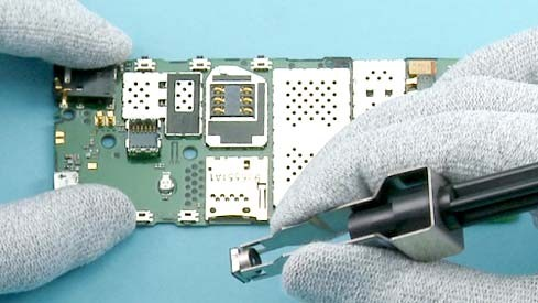 Как разобрать телефон Nokia X2 00 для замены дисплея или корпуса (26)
