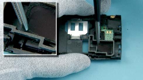 Как разобрать телефон Nokia X2 00 для замены дисплея или корпуса (31)