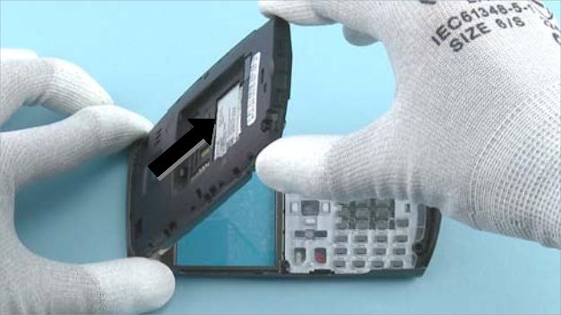 Как разобрать телефон Nokia X2 01 для замены дисплея или корпуса (37)