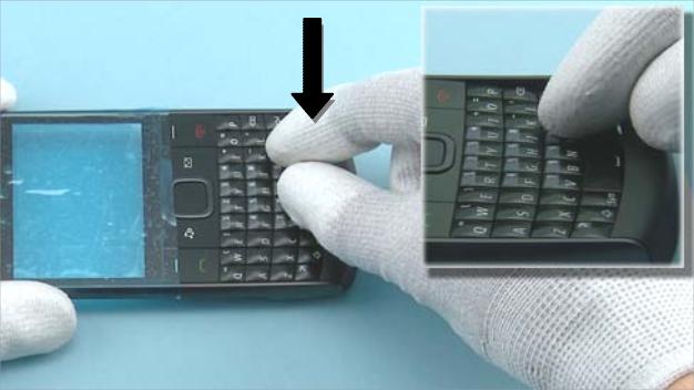 Как разобрать телефон Nokia X2 01 для замены дисплея или корпуса (34)