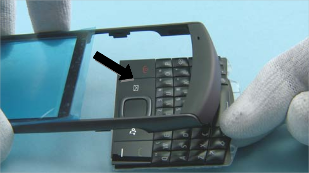 Как разобрать телефон Nokia X2 01 для замены дисплея или корпуса (33)