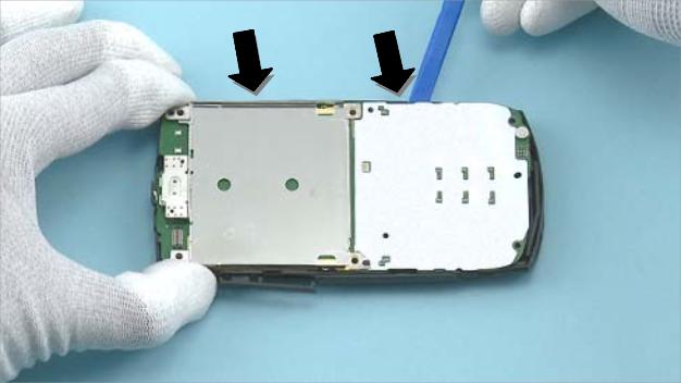 Как разобрать телефон Nokia X2 01 для замены дисплея или корпуса (26)