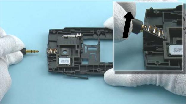 Как разобрать телефон Nokia X2 01 для замены дисплея или корпуса (22)