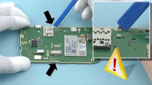 Как разобрать телефон Nokia X2 01 для замены дисплея или корпуса (16)