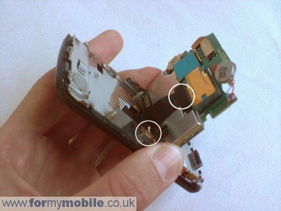 как разобрать телефон LG KC780 (5)