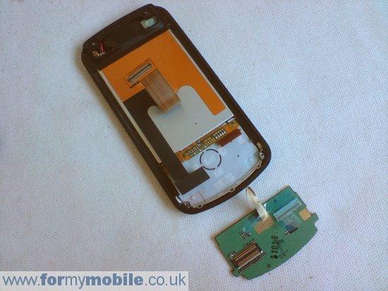 как разобрать телефон LG KC780 (9)