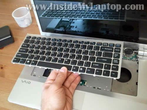 Как разобрать ноутбук Sony Vaio VGN-FW170J (14)