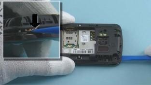 Как разобрать телефон Nokia C6-01 (11)