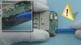 Как разобрать телефон Nokia C6-01 (13)