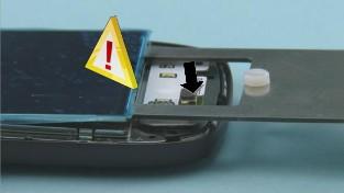 Как разобрать телефон Nokia C7-00 (15)