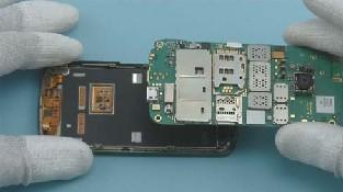 Как разобрать телефон Nokia C6-01 (17)