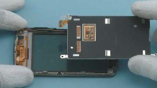 Как разобрать телефон Nokia C6-01 (18)