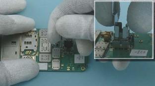 Как разобрать телефон Nokia C6-01 (21)